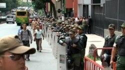 Exparlamentaria venezolana se presenta ante la justicia