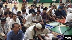 Suasana sholat Ied komunitas Indonesia yang tinggal di Washington DC dan sekitarnya hari Rabu, 6 Juli 2016.