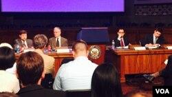 """美国对外政策理事会在美国国会召开名为""""习近平掌权下:中国的改革与区域的回应""""研讨会 (美国之音李逸华拍摄)"""
