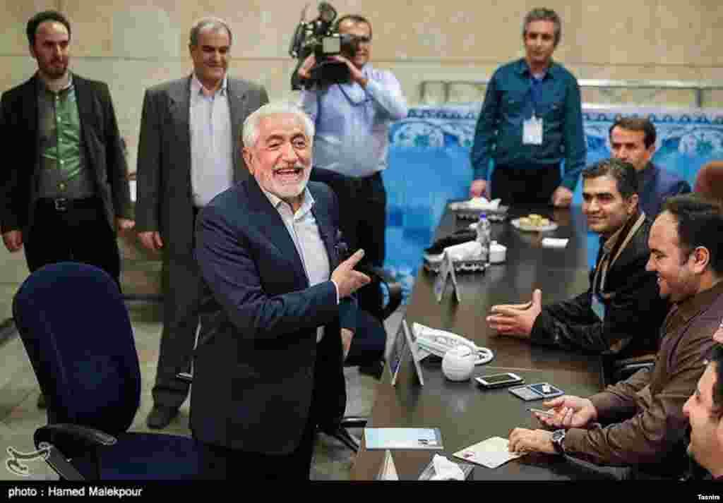 غرضی آمد. نامزد دوره قبل برای این دوره انتخابات ریاست جمهوری نیز ثبت نام کرد. عکس: حامد ملک پور
