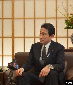 Bộ trưởng Ngoại giao Nhật, ông Fumio Kishida tham gia phỏng vấn với đài VOA, Tokyo, 27/2/2013