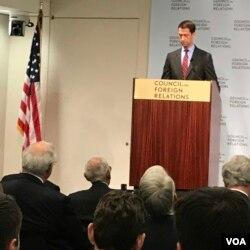 آقای کاتن در اندیشکده شورای روابط خارجی سخنرانی کرد.