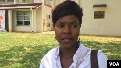 UNkosikazi Kumbirai Kahiya, umqondisi wenhlanganiso yamantombazana eye Girls and Women Empowerment Network of Zimbabwe. (S.Mhofu/VOA)
