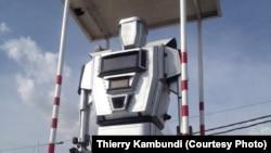 Des robots régulant la circulation routière à Kinshasa