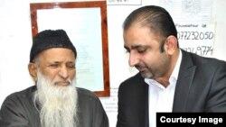 عطا الحق عبدالستار ایدھی کے ساتھ