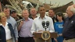 奧巴馬視察龍捲風災區保證提供援助