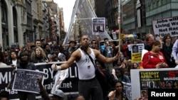 ده ها تن از مظاهره کنندگان از سوی پولیس بازداشت شدند