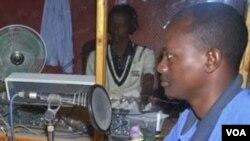 """Direktur stasiun radio """"Shabelle"""" Hassan Osman Abdi yang tewas ditembak kawanan bersenjata (foto: dokumentasi tahun 2010)."""