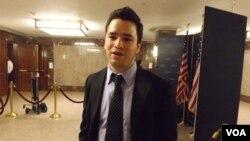 Germán Cardenas llegó de Venezuela hace 11 años y es un estudiante indocumentado destacado en Arizona. [Foto: Mitzi Macias,VOA].