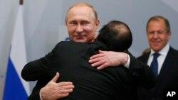 Tổng thống Nga Putin và Thủ tướng Việt Nam Nguyễn Xuân Phúc trong một cuộc gặp ở Nga năm 2016.