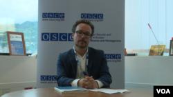 Francesco de Sanctis prati suđenja za korupciju pri Misiji OSCE u BiH