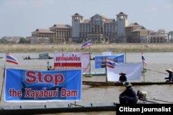 Ngư dân Thái biểu tình chống lại việc xây đập Sayabouri trên Sông Mekong.