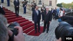 Президенты Франции Франсуа Олланд (слева) и Ирака Фуад Масум. Париж, Франция. 15 сентября 2014 г.