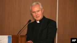 Ông Scarano đang trong tình trạng sức khoẻ kém và hiện bị giam lỏng tại tư gia của ông ở Salerno, miền nam nước Ý.