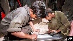 Menurut laporan Komisi HAM Pakistan, tahun 2012 sekitar 10 juta anak di Pakistan terjerumus ke dalam praktik buruh anak (foto: Dok).