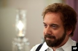 Paul Giamatti as Barney