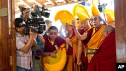 Далај Лама поднесе oфицијално барање за повлекување од функцијата