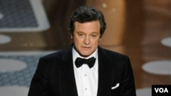 Colin Firth menerima Oscar untuk perannya sebagai Raja George VI dalam 'The King's Speech.'