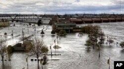 چین : سیلاب کے باعث درجنوں افراد ہلاک ولاپتہ