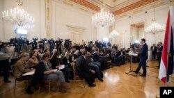 Obraćanje kancelara Sebastijana Kurca medijima posle afere Ibica, Foto: AP Photo/Michael Gruber