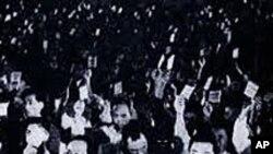 1948년 9월 8일 최고인민회의 제1차 회의에서 김일성(오른쪽)이 초대 수상으로 선출될 당시.