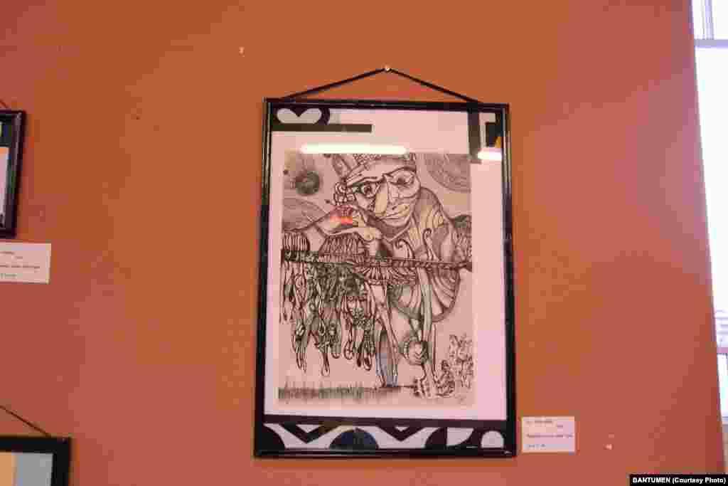 Quadros de Piera Moreau na Casa de Angola, em Lisboa, para a exposição FragMENTES