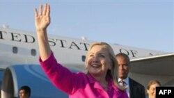 Ngoại trưởng Mỹ Hillary Clinton đến thủ đô Naypyitaw, Miến Điện hôm thứ Tư, 30/11/2011