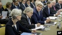 El secretario de Estado, John Kerry, encabeza la delegación estadounidense en Lausana, Suiza.