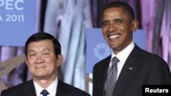 美国总统奥巴马与越南国家主席张晋创在2011年APEC峰会