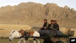سیلاب ها در مناطق مرکزی افغانستان حدود ۴۰ نفر را به کام مرگ کشاند