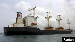 지난 2009년 8월 인도 해상에서 불법 무기를 실은 것으로 의심돼 조사를 받은 북산 선박 'MV 무산호'. (자료사진)