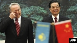 Нурсултан Назарбаев и Ху Цзиньтао