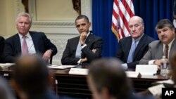 Richard Trumka (prvi s desna) na nedavnom panelu u Bijeloj kući