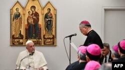 Le pape François rencontre l'episcopat japonais
