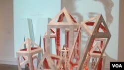 """Savikalpa Samadhi"" - skulptura studentkinje Houp Sorensen."