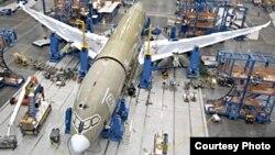 Las entregas de Boeing en 2013 incluyeron 65 de sus nuevos aparatos 787 (Dreamliner).