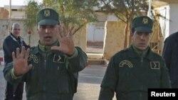 Des gendarmes algériens.