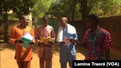Des membres du Collectif contre l'impunité, au Burkina Faso, le 11 avril 2019. (VOA/Lamine Traoré)