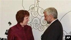23일 이라크 바그다드에서 회동한 유럽연합 캐서린 애슈턴 외교안보 대표(왼쪽)와 사이드 잘리리 이란 핵협상 대표 .