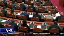Debat i ndezur mbi propozimet për ndryshime në rregulloren e parlamentit