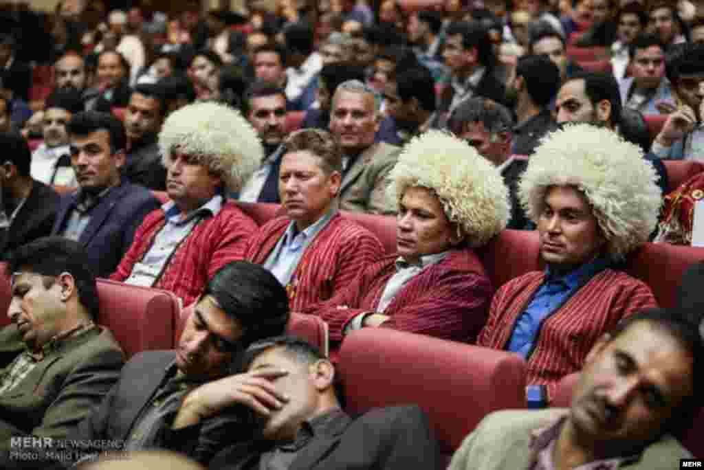 همایش ملی اقتصاد مقاومتی و توسعه روستایی با حضور حسن روحانی در تالار بزرگ وزارت کشور برگزار شد. عکس: مجید حق دوست