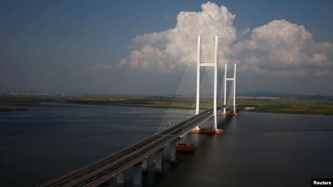 2016年9月11日,尚未完工的新鸭绿江大桥,连接辽宁丹东新区和朝鲜新义州