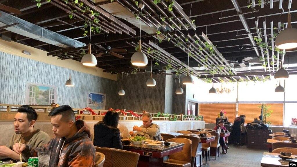 Một nhà hàng lẩu của người Hoa ở hạt Fairfax, bang Virginia, trong thời gian diễn ra dịch bệnh ở Trung Quốc