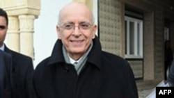 Временно исполняющий обязанности премьер-министра Туниса Мохаммед Ганнуши объявил об отставке. Тунис. 27 февраля 2011 года