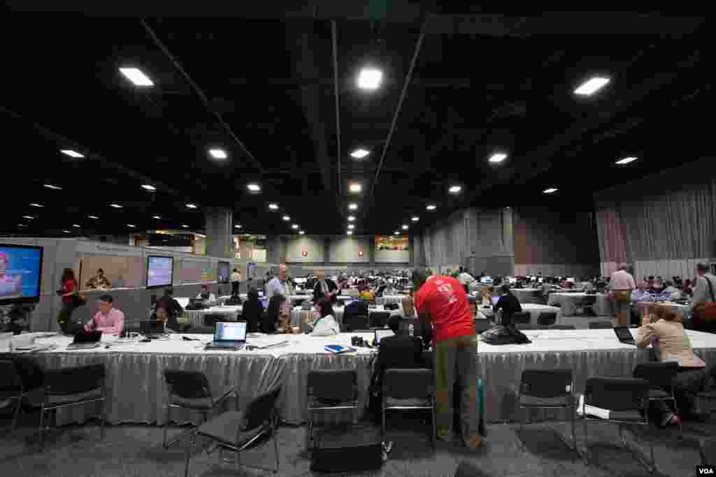 2,000 journalists were expected to cover the AIDS conference. (Alison Klein/VOA)