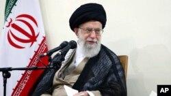 伊朗最高领导人哈梅内伊在德黑兰出席会议。(2018年6月27日)