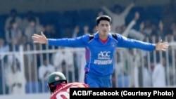 مجیب زدران، ستاره نوجوان خط بالنگ افغانستان که پنج بازیکن زیمبابوی را از میدان خارج کرد.