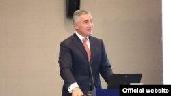 Predsjednik Crne Gore Milo Đukanović govori na konferenciji o Zapadnom Balkanu (rtcg.me)