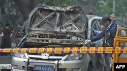 Oštećeno vozilo izraelske ambasade u Nju Delhiju