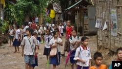 فرقۀ قومی کارن یکی از محرومترین اقلیت های قومی برما استند.